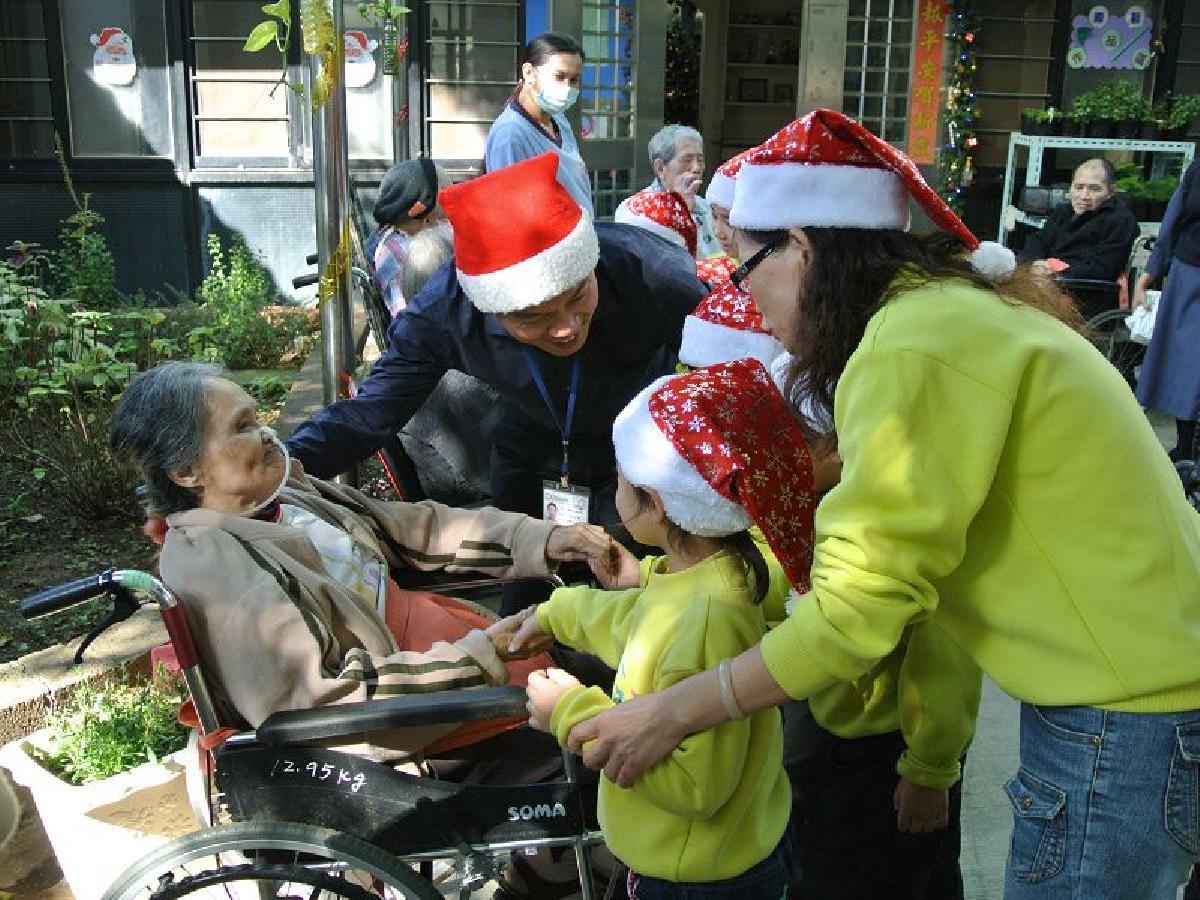 教導孩子懂得關懷及感恩1